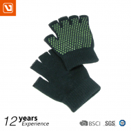 YOGA GLOVE from Live Up